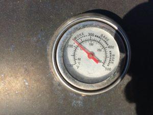 Temperaturkontrolle im Smoker Grill