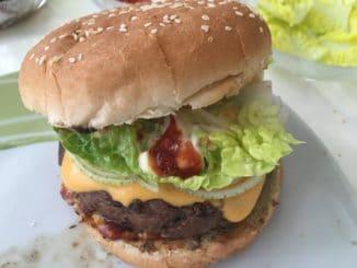 Burger mit selbst Hergestellten Buns