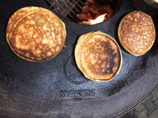 Pancakes auf der Grillplatte