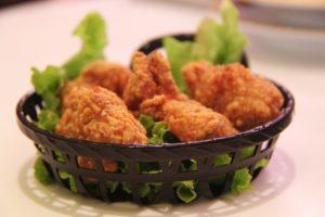 Kalorienarme Chicken Nuggets aus der Heißluft Fritteuse