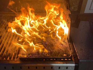 Fettbrand im Grill